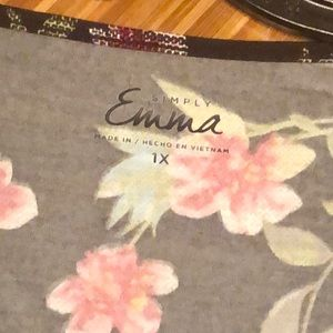 Simply Emma Tops - NWT Simply Emma printed wrap top